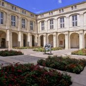 Ancien couvent Cour Mably