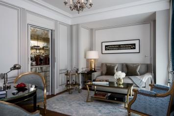 Premier-Suite-406-living-room3